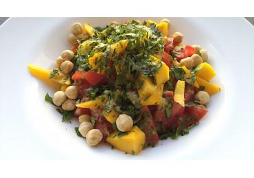 Salată De Bulgur Cu Roșii, Mango, Alune De Pădure 350gr